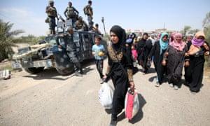 Civilians fleeing Falluja