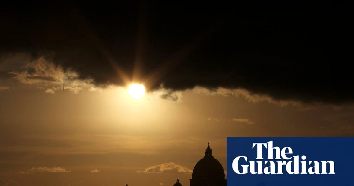 Conclave by Robert Harris review – a triumphant Vatican showdown