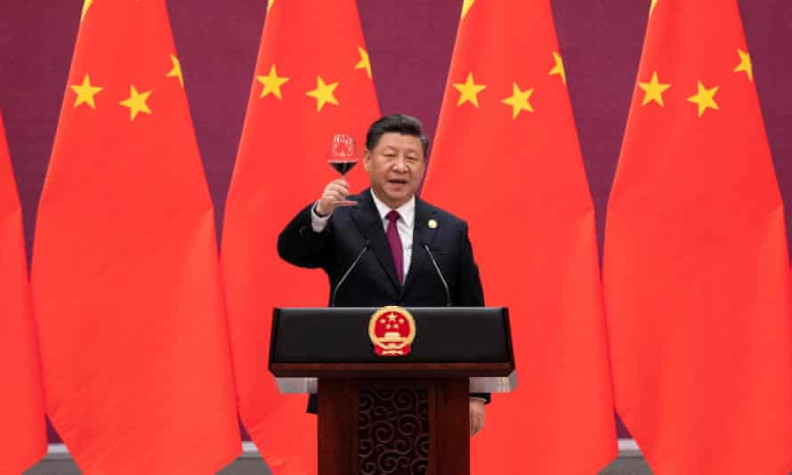 File photo Chinese president Xi Jinping raising his glass and proposing a toast