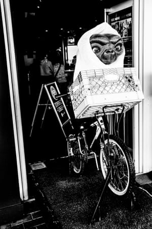 A model of ET on a bicycle