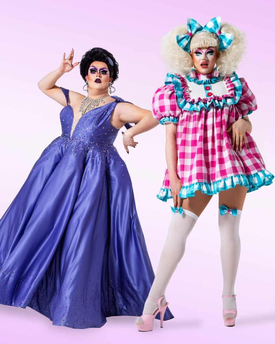 Scottish queens Lawrence Chaney (in purple) and Ellie Diamond (in pink)