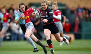Lotte Clapp breaks free before going on to score a try against Harlequins.
