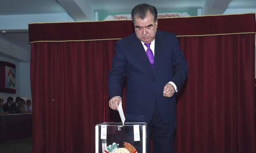 The Tajik president, Emomali Rahmon, casts his ballot at a polling station in Dushanbe on Sunday.
