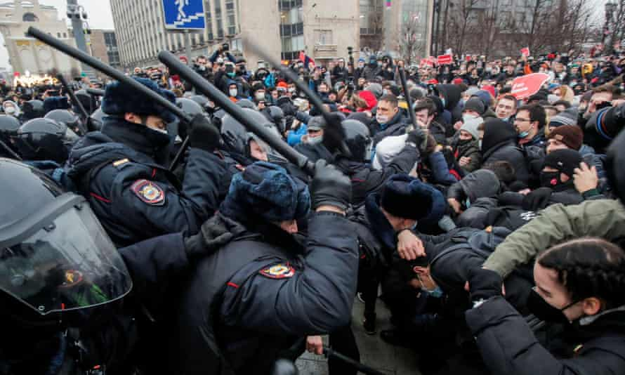 Navalny protests: EU to consider 'next steps' after Russia carries out mass  arrests | Russia | The Guardian