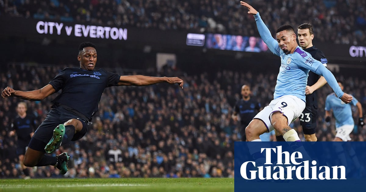 Gabriel Jesus strikes twice to steer Manchester City past Everton
