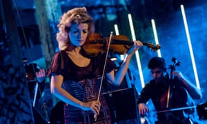LSO/Ades Anne-Sophie Mutter violin violinist classical music press image