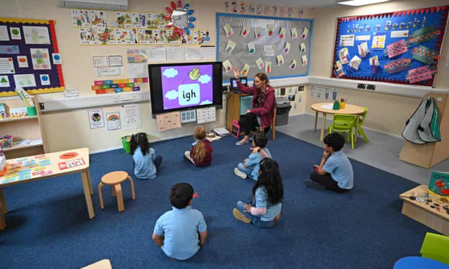 distanced children in classroom