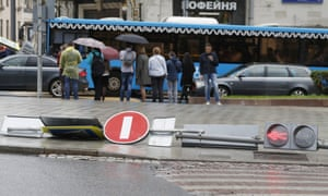 A fallen traffic light on a crossroads in central Moscow