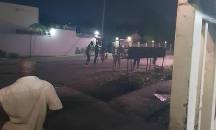 Refugees allege a group of locals attacked their apartment compound in Port Moresby, armed with weapons, on Saturday night.