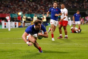 TMO denies France's Damian Penaud of his try due to an earlier knock-on.