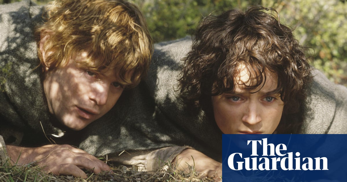 Amazon moves production of Lord of the Rings TV series to UK