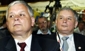Lech Kaczyński and Jarosław Kaczyński in 2005.