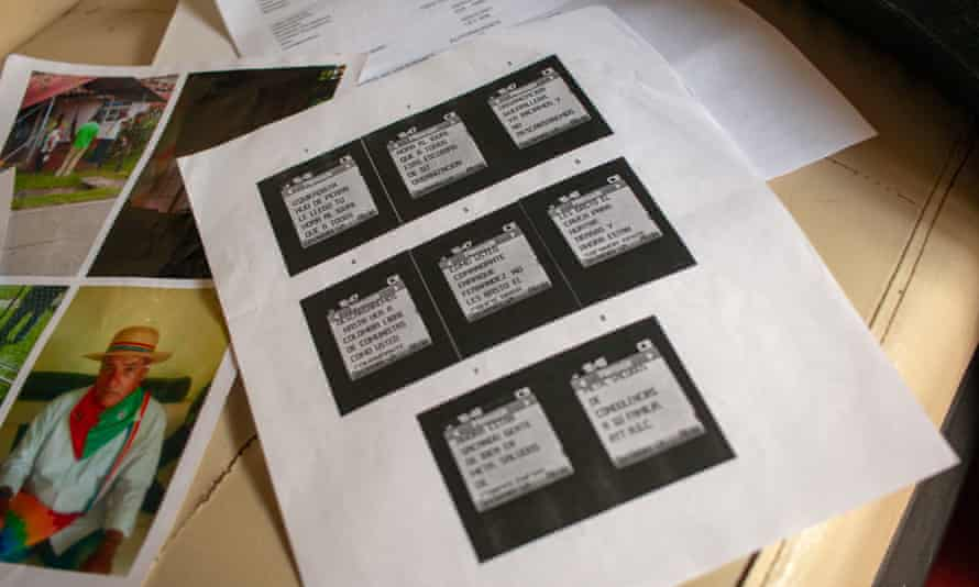 Images of text messages threatening Enrique Fernández read 'We will not rest until Colombia is free from communists like you, commander Enrique Fernández.'