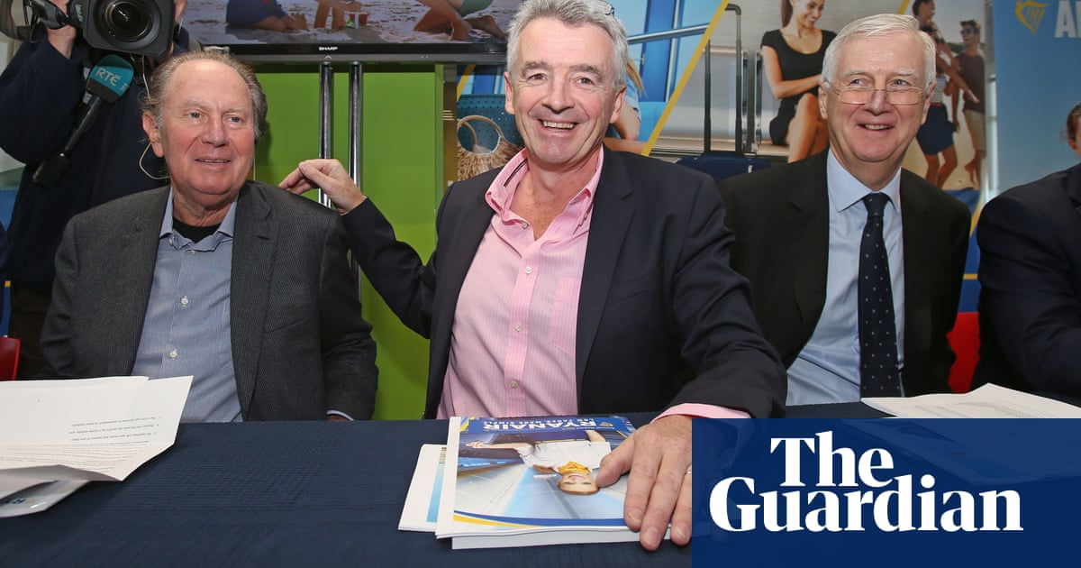 Ryanair investors call for chairman to stand down in 2019 | Business