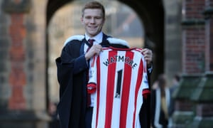 Sunderland's Duncan Watmore graduated from Newcastle university. His club host graduation ceremonies at the Stadium of Light but they don't run courses.