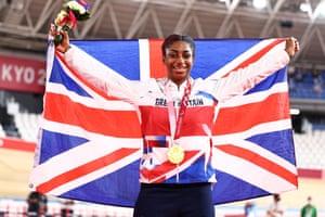 Kadeena Cox, Great Britain wins Women's C4 500m Time Trial.