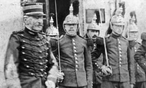 Alfred Dreyfus (far left) on his release from prison.