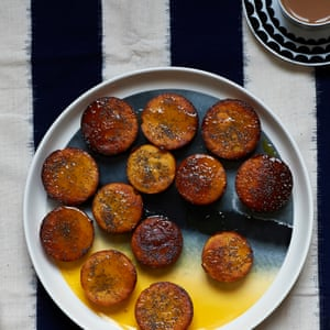 Boiled clementine cakes