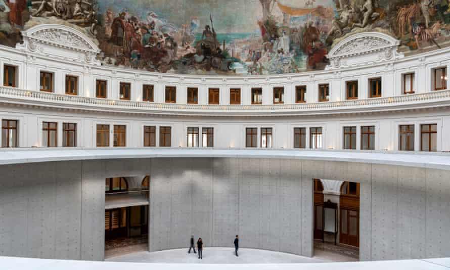 Atrium of gallery