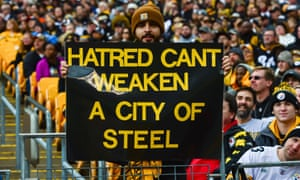 Steelers fans paid tribute to the victims of the Squirrel Hill attack before Sunday's game