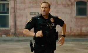 Old-school tough guy … Aaron Eckhart in In the Line of Duty.