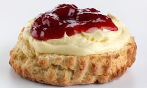 "Brtions now mostly say ""scone"", rhyming with ""gone""."