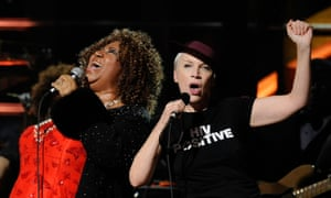 Aretha Franklin and Annie Lennox perform onstage at the 25th Anniversary Rock & Roll Hall of Fame concert at Madison Square Garden in New York, on October 30, 2009.