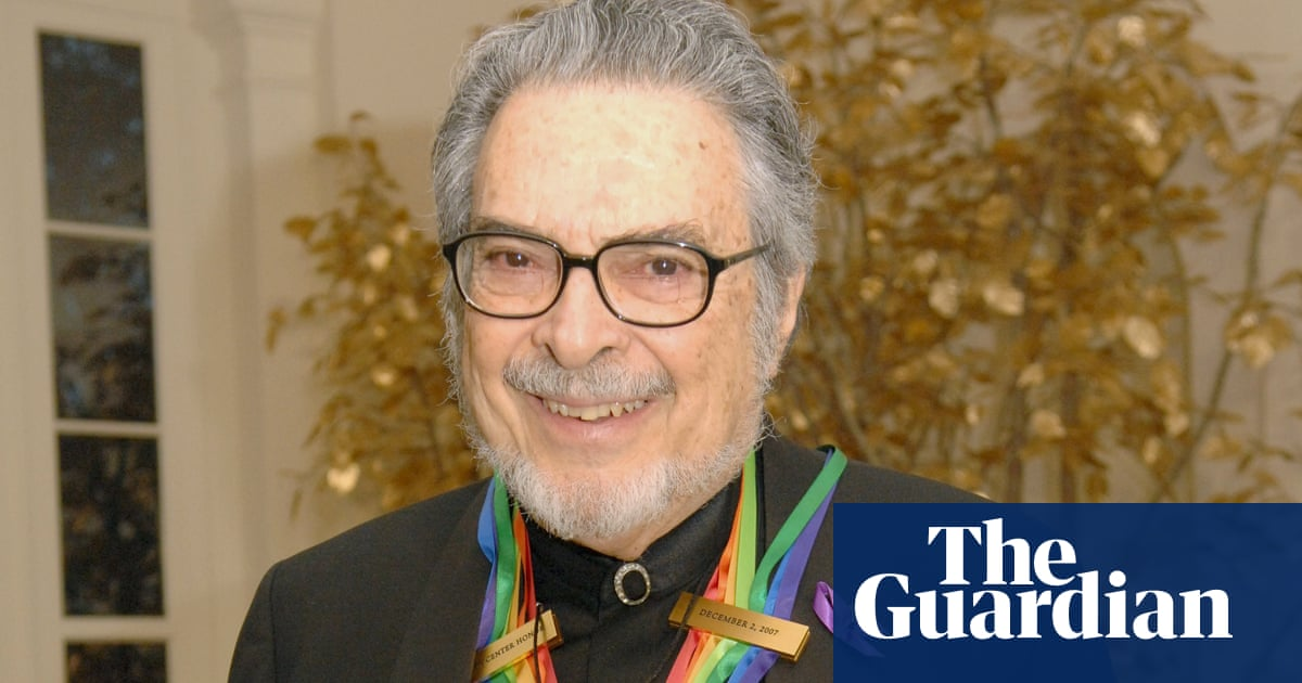 Leon Fleisher, US pianist who lost use of his right hand, dies aged 92