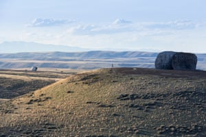 Beartooth Portal (left) and InvertedPortal (right) Two works by Ensamble Studio (Antón García-Abril and Débora Mesa), part of three 'gateway' structures created for Tippet Rise.