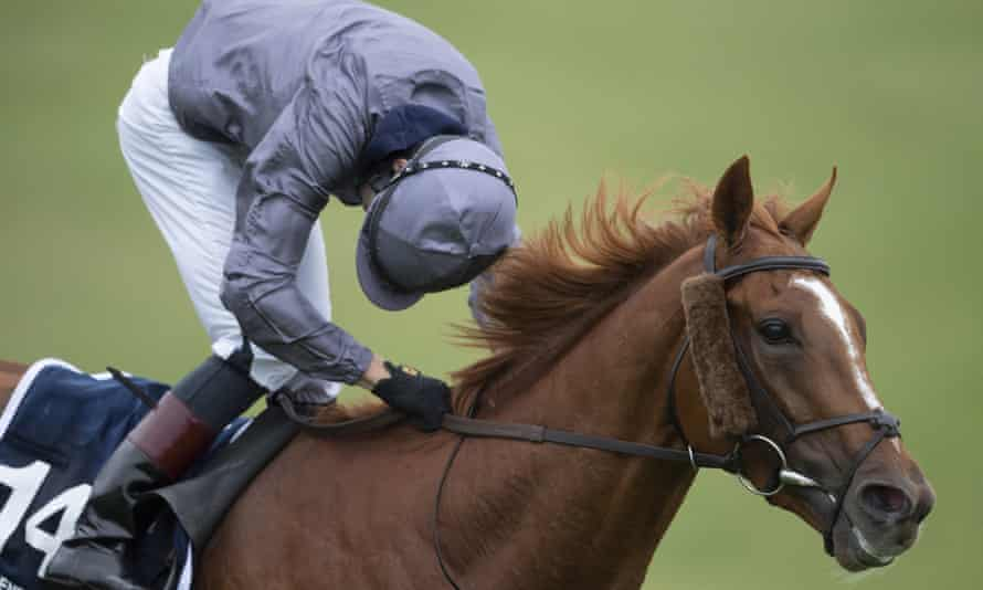 Emmet McNamara looks round for non-existent dangers as he romps home on Serpentine in the Derby .