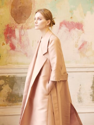 Fashion & Beauty - Merchant Archive Presentation I attended the Merchant Archive London S/S presentation back in February and I was struck by this girl wearing one of their pale structured, silk coats and the distressed walls in the house.
