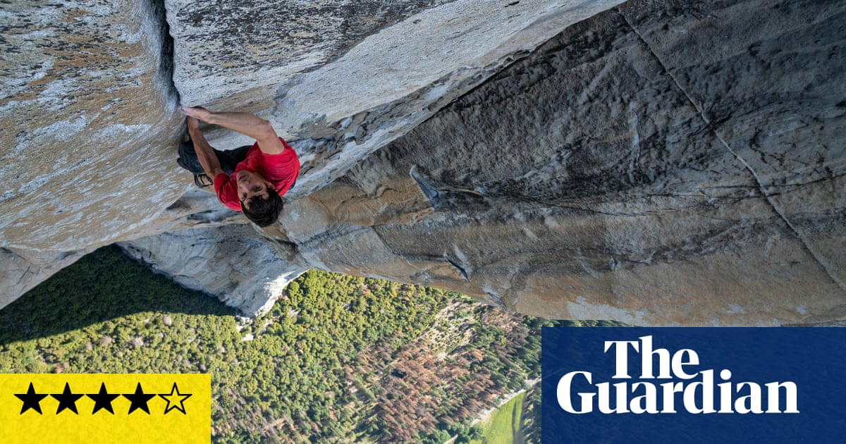 Free Solo review – jaw-dropping high jinks on a 3,000ft rock face