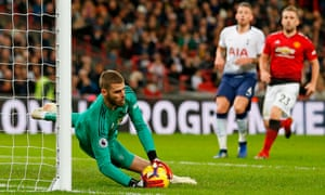 David de Gea saves from Harry Kane's free-kick at Wembley