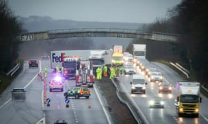 A jack-knifed FedEx lorry hit the central reservation on the M8 at Bathgate, West Lothian, closing lanes in both directions