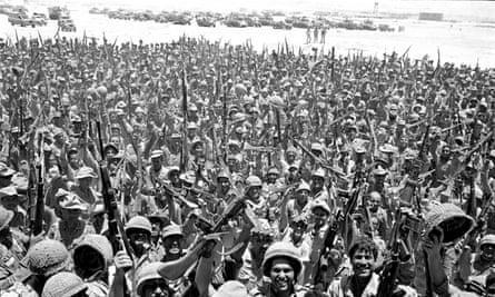 Israeli soldiers celebrating on 4 June.