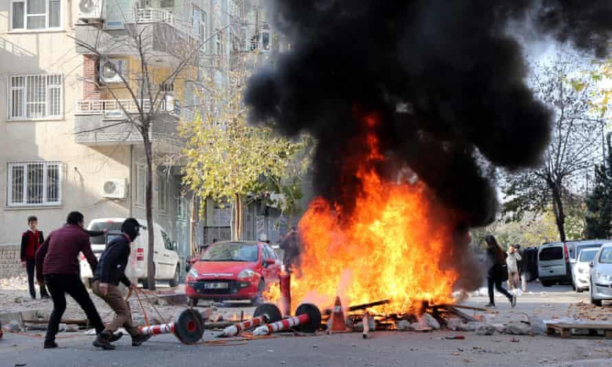 Kurdish protestors clash with Turkish police in Diyarbakır.
