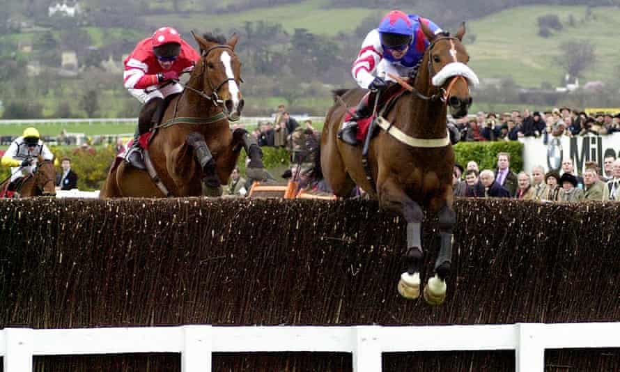 Looks Like Trouble and Richard Johnson go clear of Florida Pearl, ridden by Paul Carberry, on their way to victory in the 2000 Gold Cup.