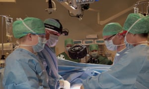 Surgeons filming an operation for MDLinking