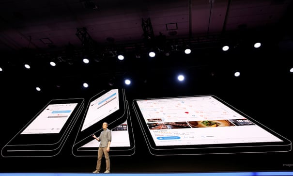 Folding screens and 5G: what's coming in smartphones in 2019