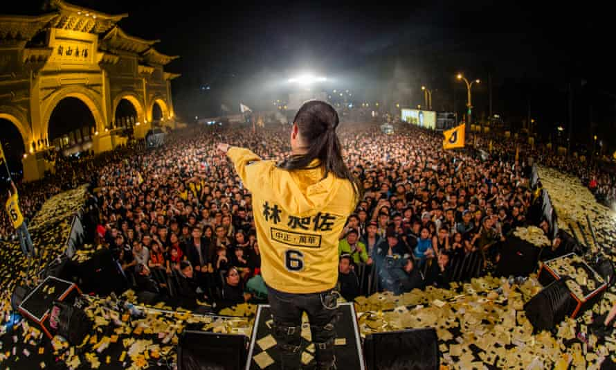 Freddy Lim rocks the crowds in Liberty Square, Taipei.