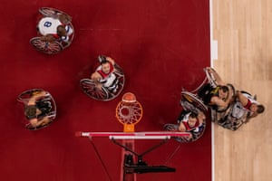 All eyes are on the ball during the USA v Germany group game in the men's wheelchair basketball.