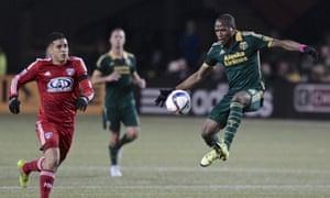 Darlinton Nagbe moves past Victor Ulloa in last week's first leg.