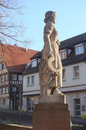 Statue of Katharina Kepler in Eltingen