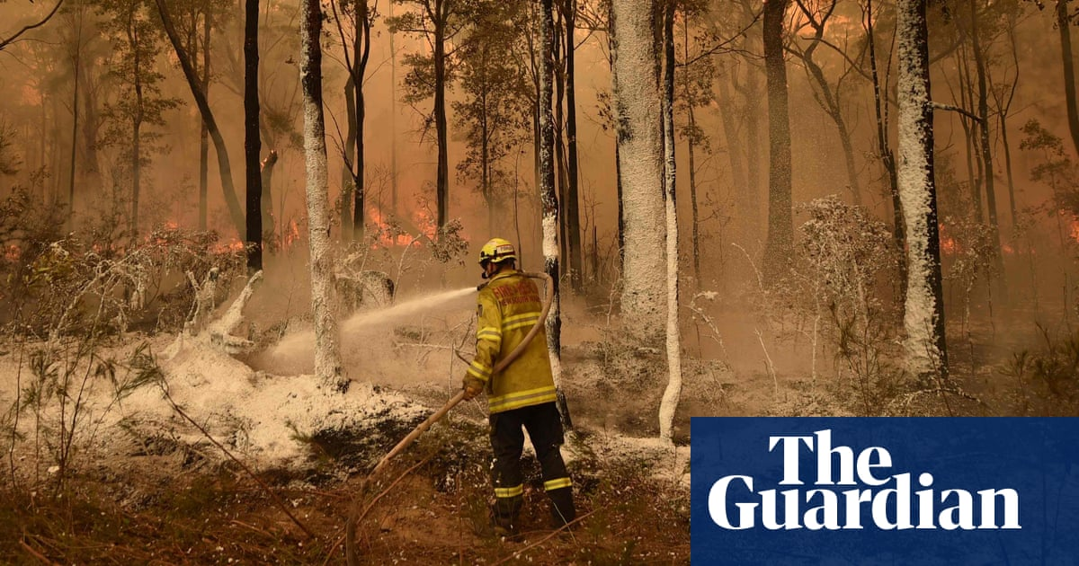 Explainer: how effective is bushfire hazard reduction on Australia's fires?