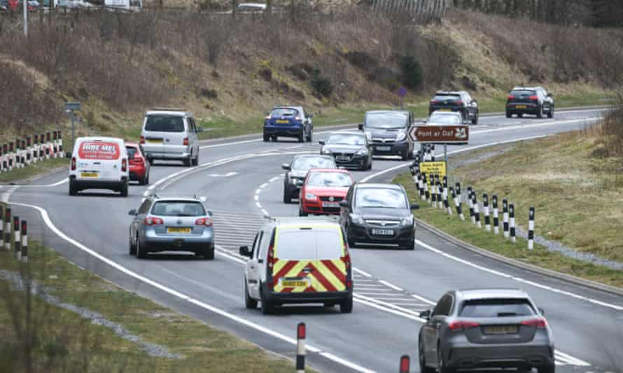 Traffic on the main A470 through the Brecon Beacons