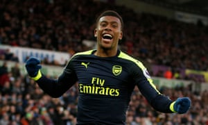 Arsenal's Alex Iwobi celebrates