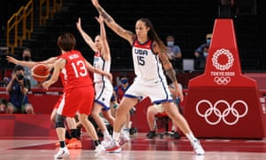 Brittney Griner guards against Rui Machida during the women's basketball final at Tokyo 2020