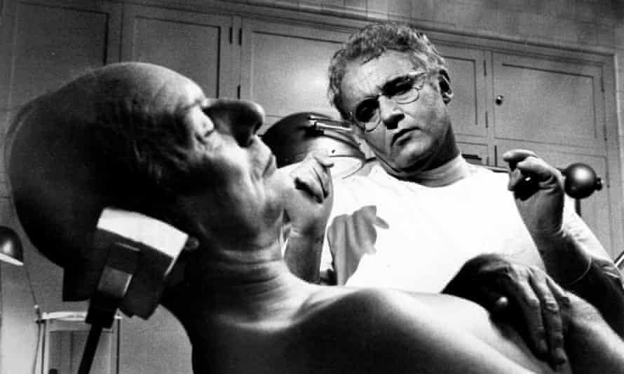 John Gielgud (left) and Rod Steiger in The Loved One (1956_).