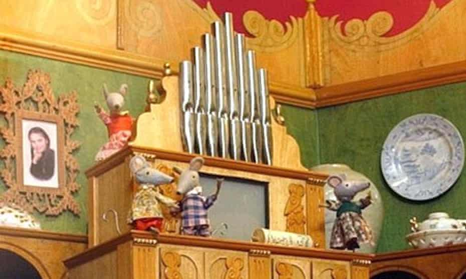 Squeaky organ mice from the children's programme Bagpuss. Scientists have found that a genetic mutation can mouse sounds, akin to stuttering.