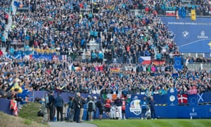 The Ryder Cup began in a frenzied atmosphere at the 1st tee, which clearly affected nerves among players – particularly Europeans.